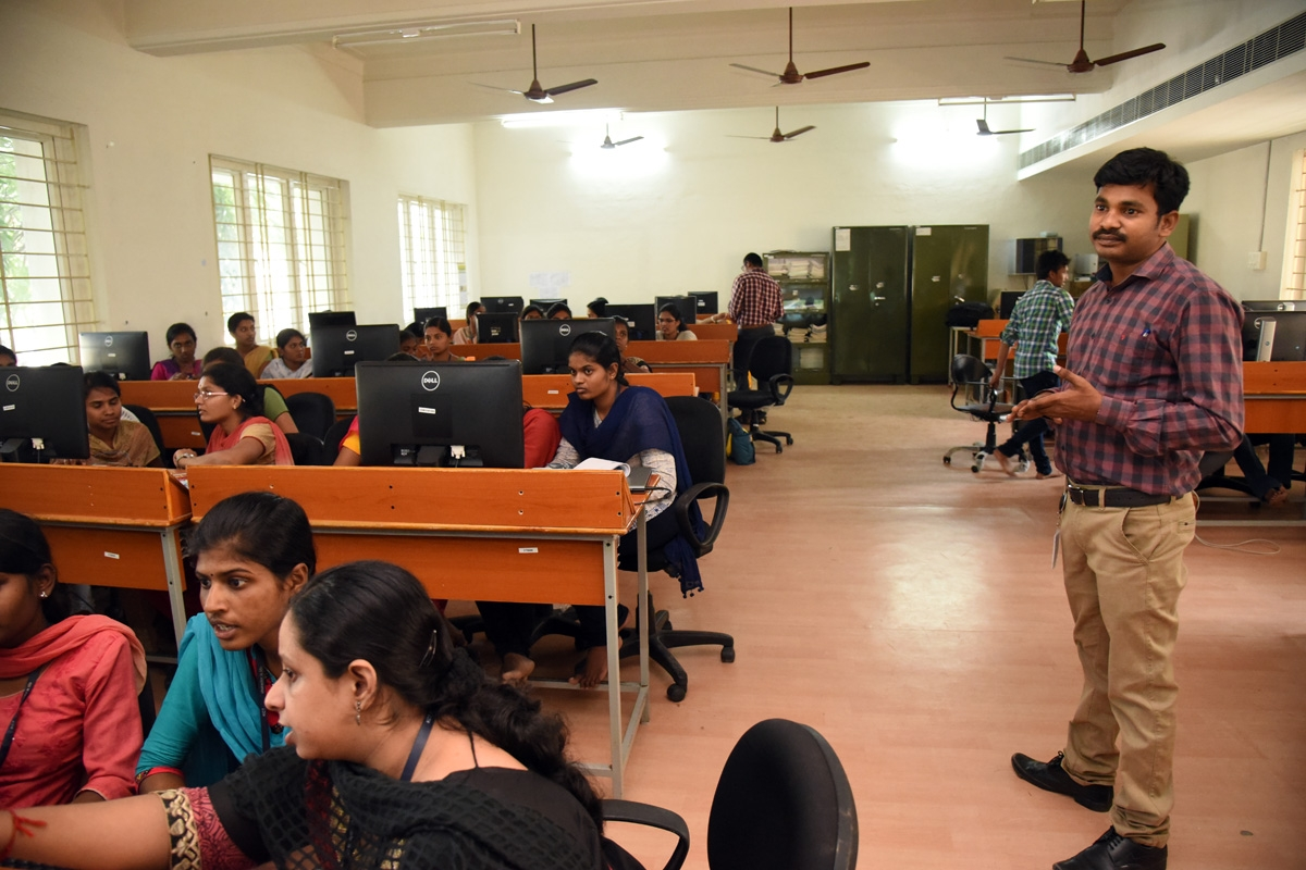 Workshop conducted on Embedded system and IoT